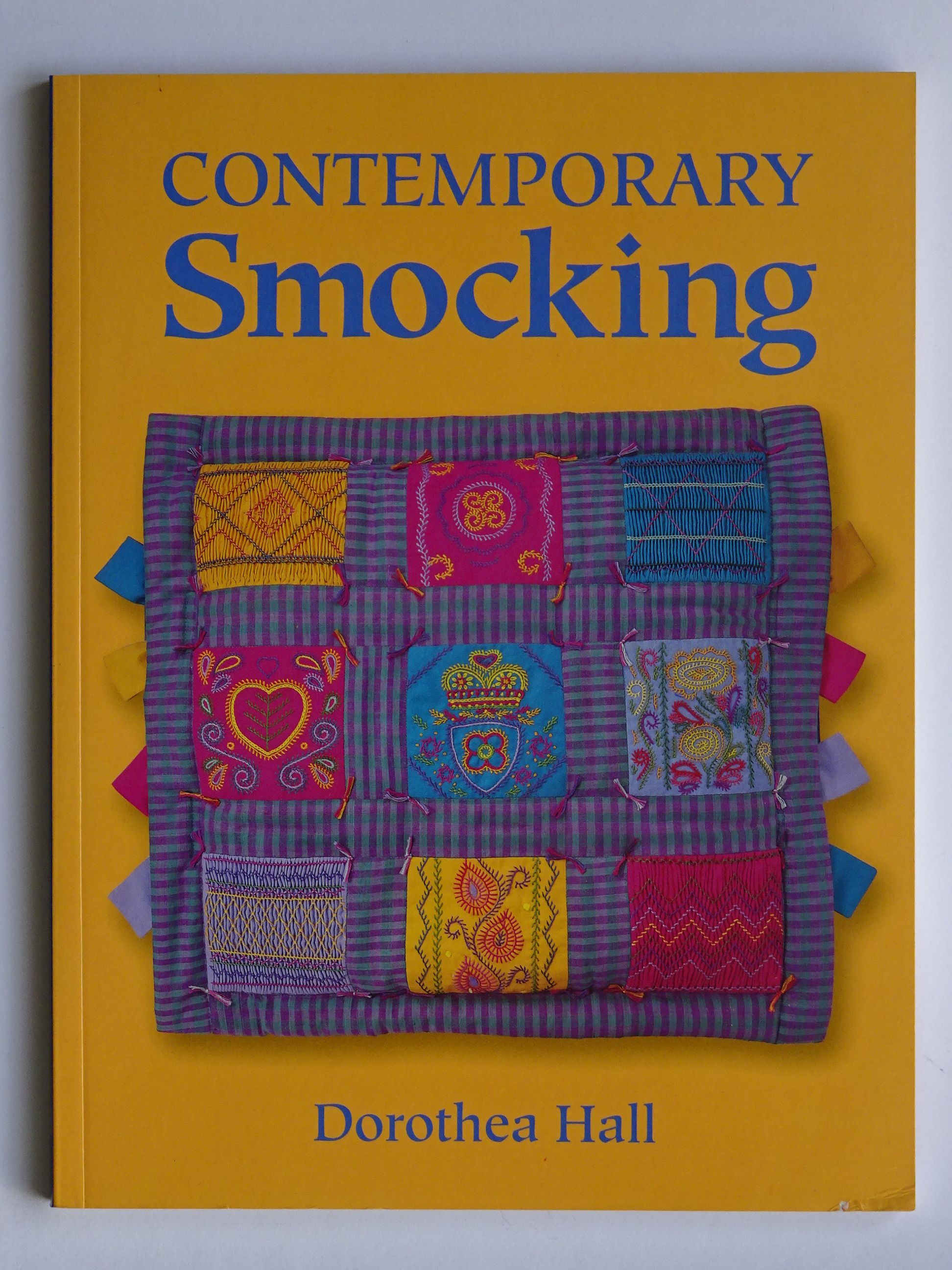 Hall , Dorothea - Contemporary Smocking